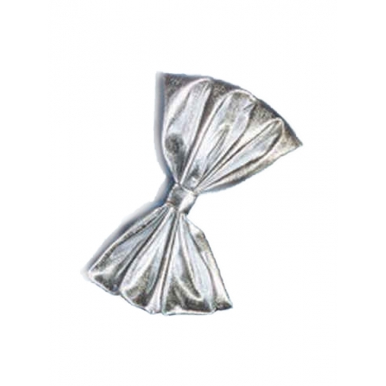 Vlinderstrikjes in het zilver 18 cm