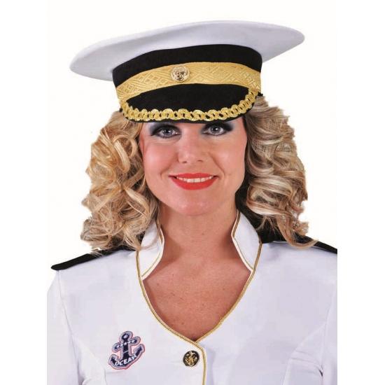 Witte luxe kapitein pet (bron: Partyshopper)