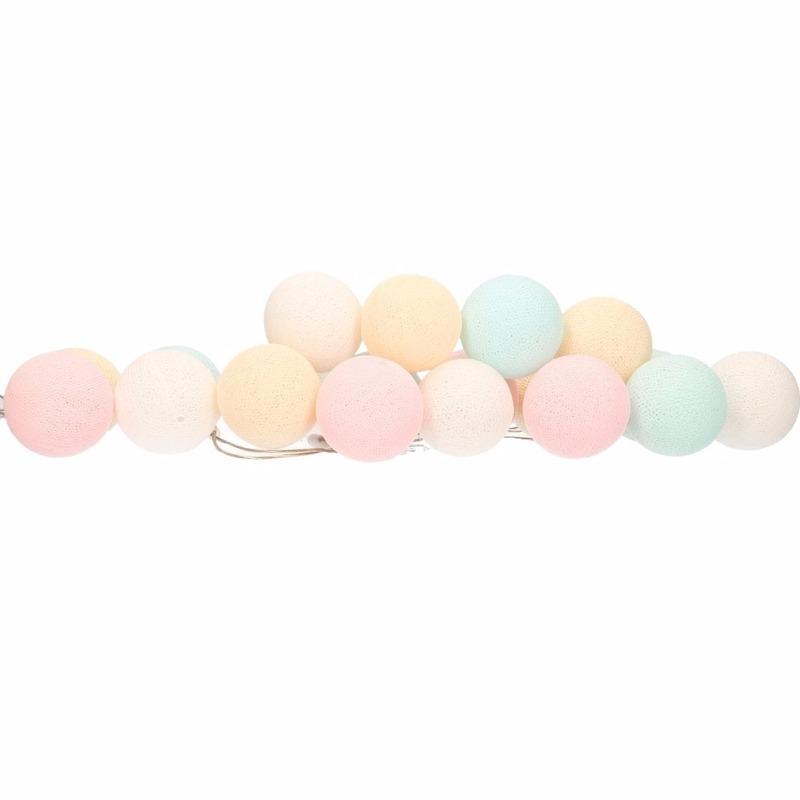 Woondecoratie katoenen balletjes lichtsnoer pastel