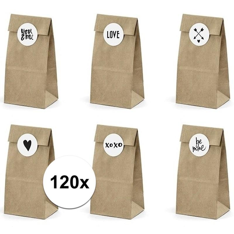 120x bruiloft papieren zakjes met stickers. 20x pakketjes van 6 papieren zakjes inclusief 6 stickers. leuk om ...