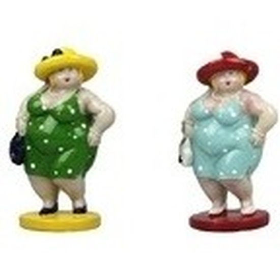 2x Dikke staande dames beeldjes 20 cm in groene-lichtblauwe jur