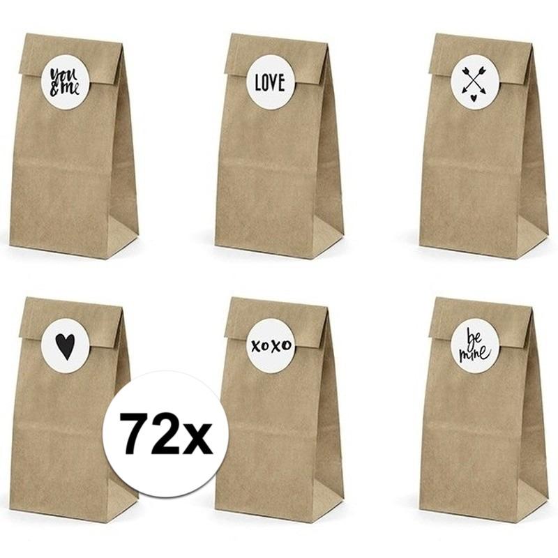 72x bruiloft papieren zakjes met stickers. 12 pakketjes van 6 papieren zakjes inclusief 6 stickers. leuk om ...