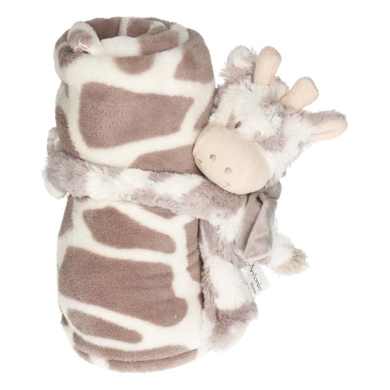 Baby kraamcadeau koeienprint fleecedeken met koetje-stiertje knuffel