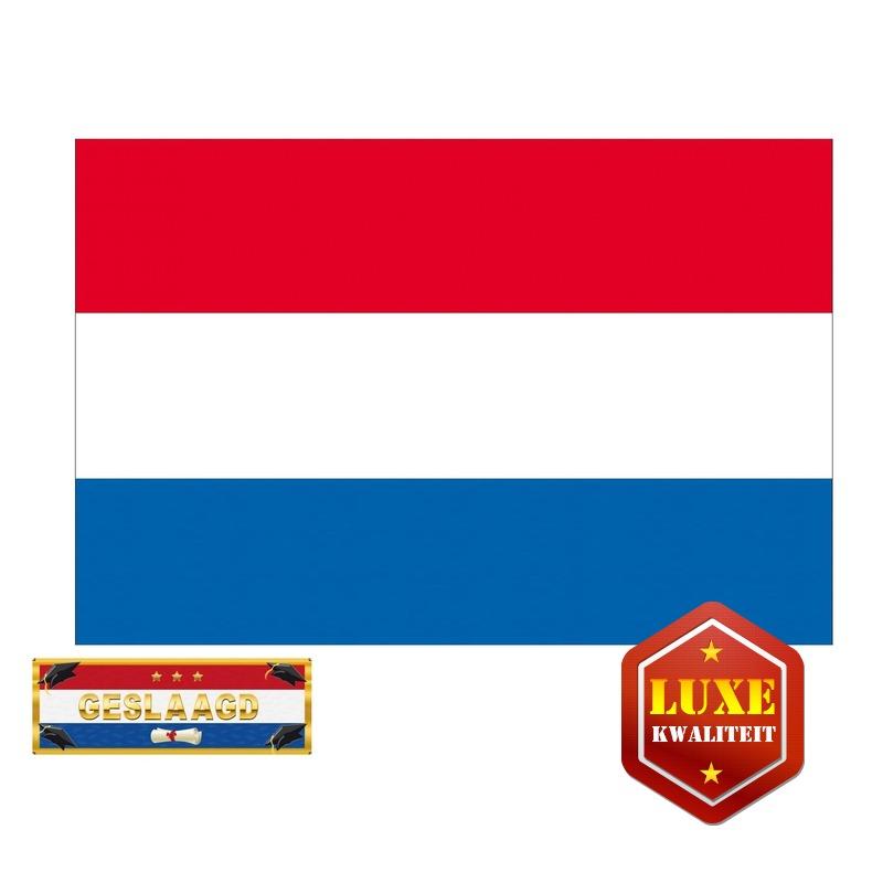 Luxe Nederland geslaagd vlag 150 cm met gratis sticker